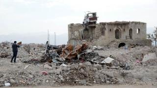 Турция подпука сирийските кюрди с мощен артилерийски обстрел