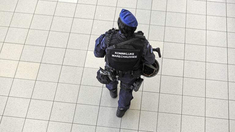 В Холандия арестуваха двама, планирали терористична атака с кола бомба