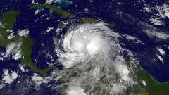 Един от най-силните урагани през последните години се насочва към Хаити, Куба, Бахамите и САЩ