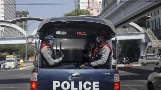 """В Китай: Военният преврат в Мианмар е само """"ремонт на кабинета"""""""