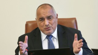 Над 1 милиард излишък в бюджета, разходите за отбрана ще растат, Заев похвали Борисов и Захариева...