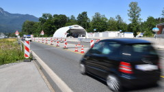 Австрия временно въведе проверка на ключови ГКПП-та