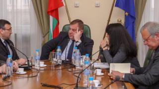 Ситуацията в Габрово е овладяна, уверява Каракачанов