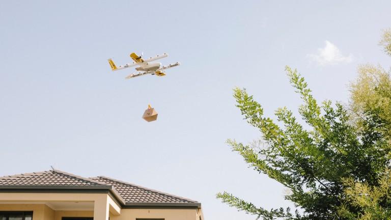 Снимка: Google Wing направи първа успешна доставка с дрон до домашен адрес