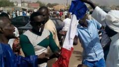 В Нигер палежи на църкви и погроми заради карикатурите на Мохамед