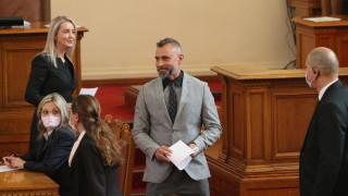 Калин Вельов за втори път се закле като народен представител