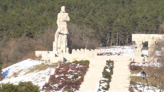 Карлово и Калофер се съдят заради паметник на Ботев