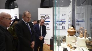 Радев обеща подкрепа за талантливите българи