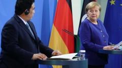 Меркел настоя за изтегляне на чуждестранните наемници от Либия