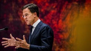 Холандия отхвърли европреговори с Албания, но не и с Македония