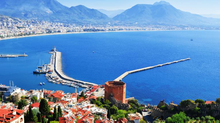 Туризмът в Турция се срива с почти 73% за първите 10 месеца