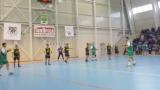 Варненските железничари продължават без грешка в хандбалното първенство