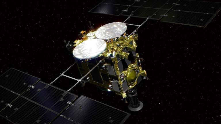 Два робота на космическата агенция на Япония се приземиха на