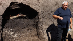 Още четири раннонеолитни гроба откриха археолози в Слатина