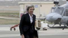 Британски консерватори зоват Мей да подкрепи бързо и чисто отцепване от ЕС
