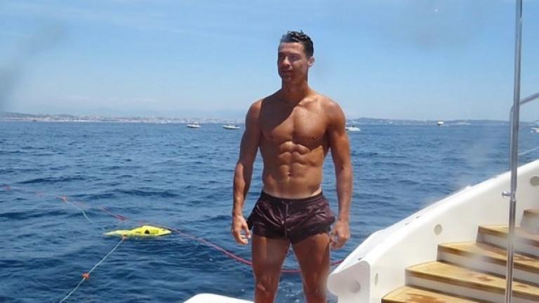 Миналата седмица благородно завидяхме на Кристиано Роналдо заради приключенията му