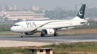 Пътнически самолет се разби в Пакистан