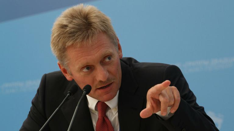 """Кремъл: """"Абсурдни"""" са обвиненията, че стоим зад скандала в Демократическата партия"""