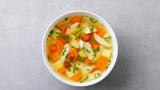 Пилешката супа и помага ли наистина при настинки и вируси