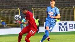 Ботев (Пловдив) преговаря за двама футболисти на Царско село