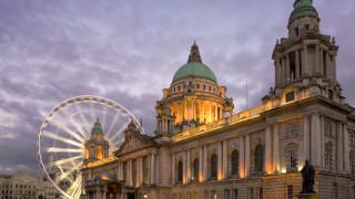 Стотици на протест в подкрепа на абортите в Белфаст