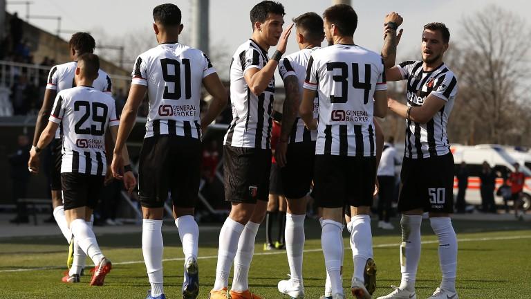 Локомотив (Пловдив) има да си връща на Септември за загубен финал
