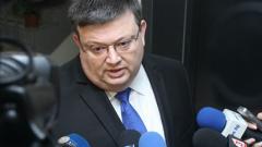 Шефовете на ДАНС, на МВР и главният прокурор спешно отиват в парламента