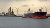 Китай изпраща огромни танкери с гориво към Европа