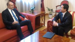 Радев обсъди с китайския посланик засилване на международното сътрудничество против коронавируса