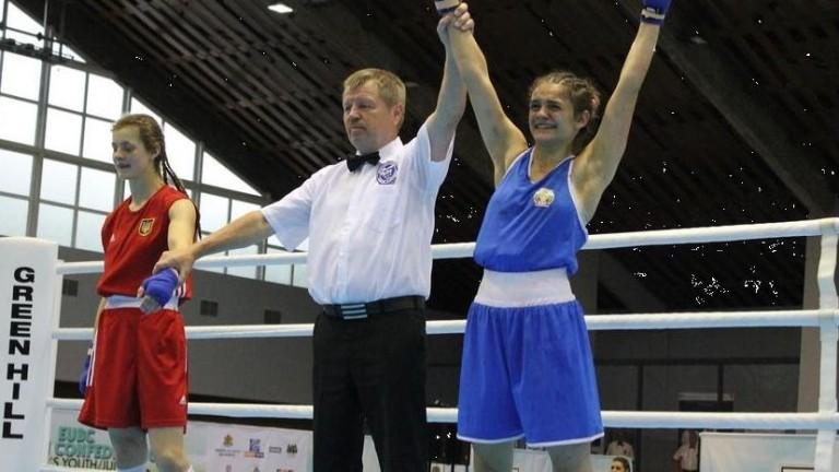 Горяна Стоева започва защитата на европейската си титла по бокс