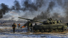 Русия трупа въоръжени сили по границата, предупреди Украйна