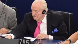 Евросъдът постанови Жан-Мари льо Пен да върне на ЕП €320 хил.