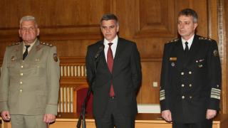 Българската армия се нуждае от стабилност, каза вицеадмирал Ефтимов