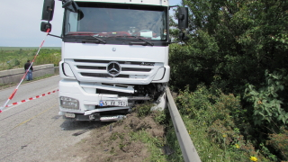 Сблъсък между ТИР и цистерна затвори за часове магистрала Тракия към Пловдив