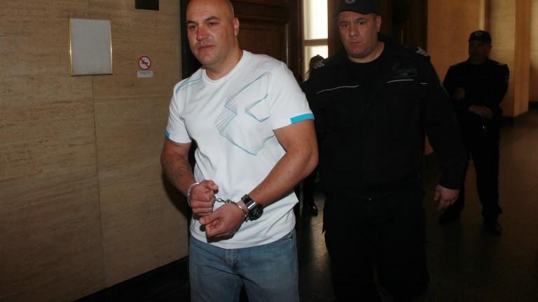 Оставиха в затвора банковия обирджия от Сливен, съобщават от