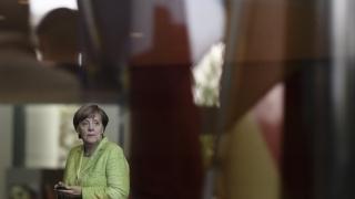Турците в Германия няма да гласуват за смъртното наказание, отсече Меркел