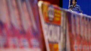 Филипинците гласуват, президентът Дутерте се надява да поеме контрол над Сената
