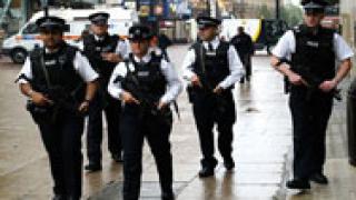 Арестува 8 души, участвали в мрежа за пране на пари в Англия