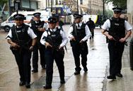 Във Великобритания забраниха снимането на полицаи