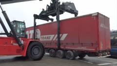 Товарят ремаркета на тирове на ро-ро платформи за Турция