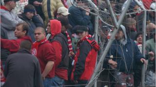 Феновете на ЦСКА също срещу Боби и компания