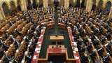 Демокрацията в Унгария под карантина: Виктор Орбан получи власт за безсрочно управление с укази
