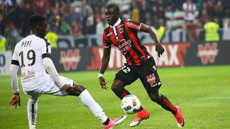 Арсенал започна преговори с френски защитник