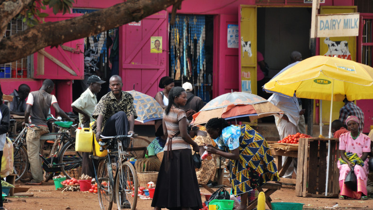 Снимка: Африка е най-бързорастящият бирен пазар в света. Как компаниите навлизат там?