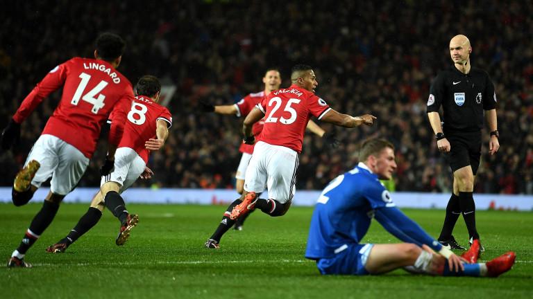 Манчестър Юнайтед постигна втора поредна победа във Висшата лига.