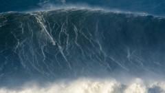 Гинес рекорд за най-високата вълна, взета със сърф