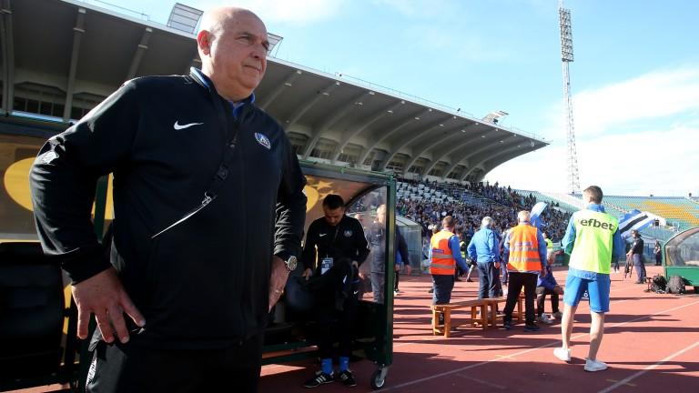Левски отново може да има временен вариант на треньорския пост
