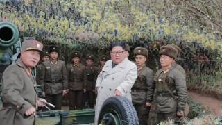 Пхенян продължава да трупа войски по границата