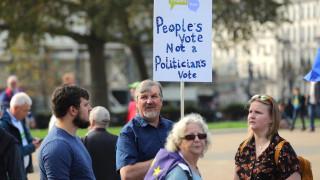 Десетки хиляди в Лондон настояват за втори референдум за Брекзит