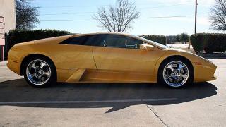 Джена Джеймисън продава своето Lamborghini Murcielago (галерия)